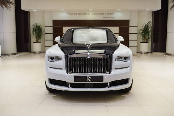 "Rolls-Royce Ghost ""Inspired by Private Jet"" front view"
