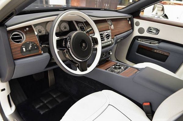 "Rolls-Royce Ghost ""Inspired by Private Jet"" interior"