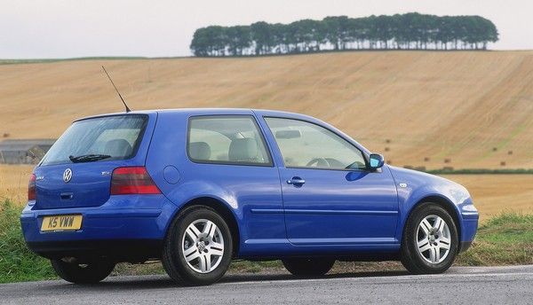 Volkswagen Golf 4 2000 angular rear