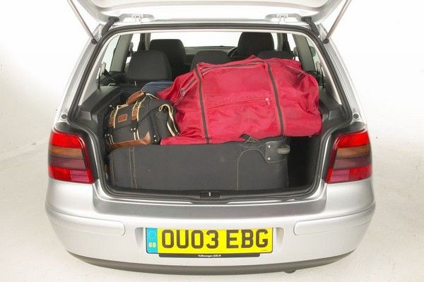 Volkswagen Golf 4 2004 roomy cargo space