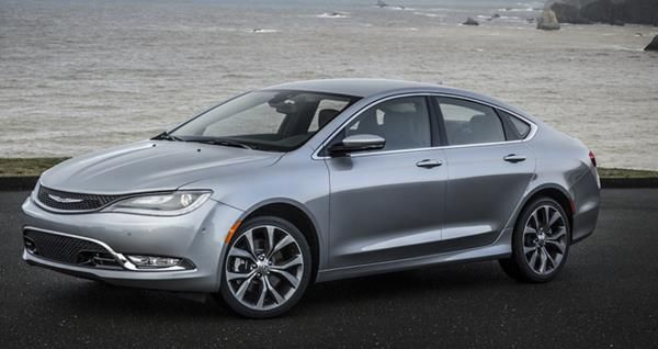 Chrysler 200 angular front