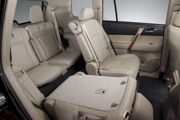 Toyota Highlander 2005 seating