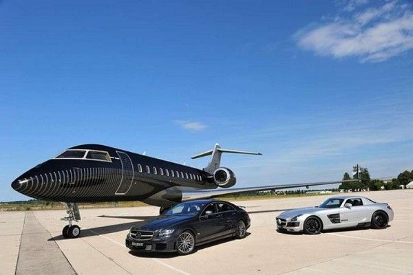 jet and cars