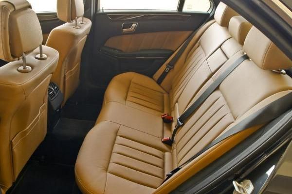 Mercedes-Benz E350 2010 seating