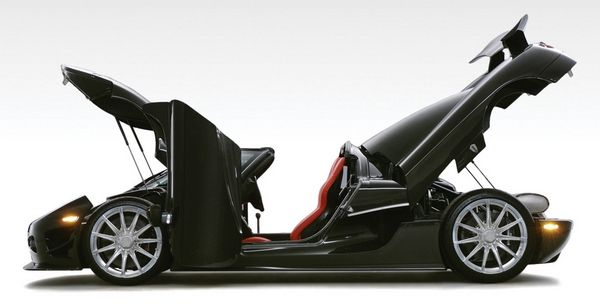 Koenigsegg CCXR Special Edition side view