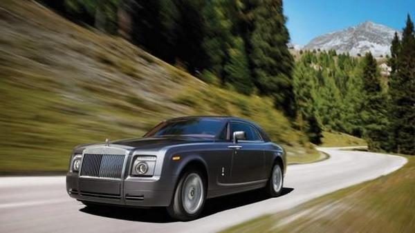 Rolls-Royce Phantom on the road