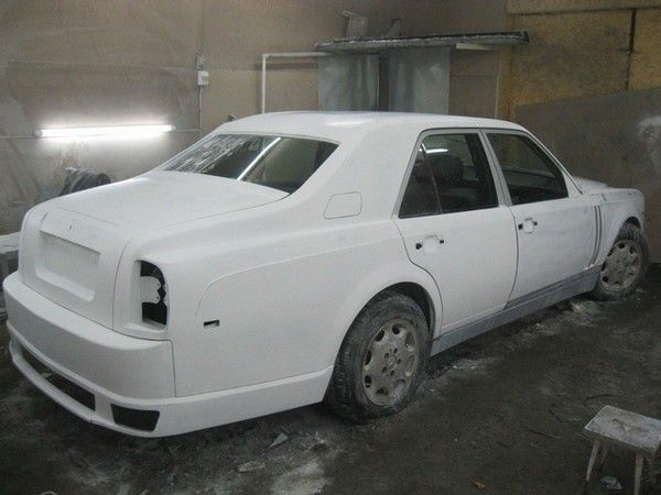 A Mercedes- Benz E-Class was transformed into a Rolls Royce Phantom