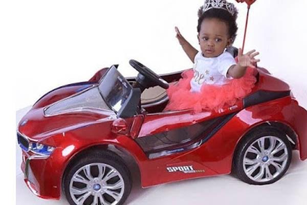 "The little girl of actress Ifunanya Igwe, Oyirinnaya Ukpabia is so beautiful in her ""sporty"" convertible"