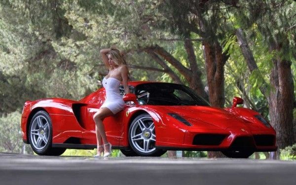 Ferrari GTO and a girl