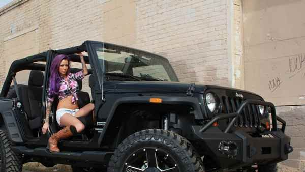 Jeep Wrangler and a girl