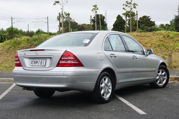 Mercedes-Benz C200 2000 angular rear