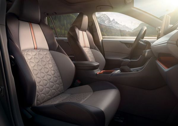 Toyota RAV4 2019 seating