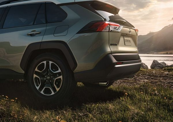 Toyota RAV4 2019 angular rear