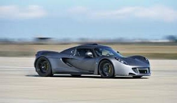 Hennessey Venom GT angular front