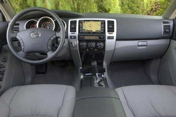 Toyota 4Runner 2005 interior