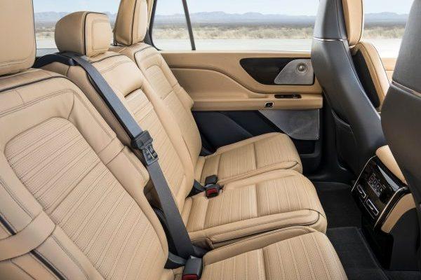 interior of the Lincoln Aviator 2018