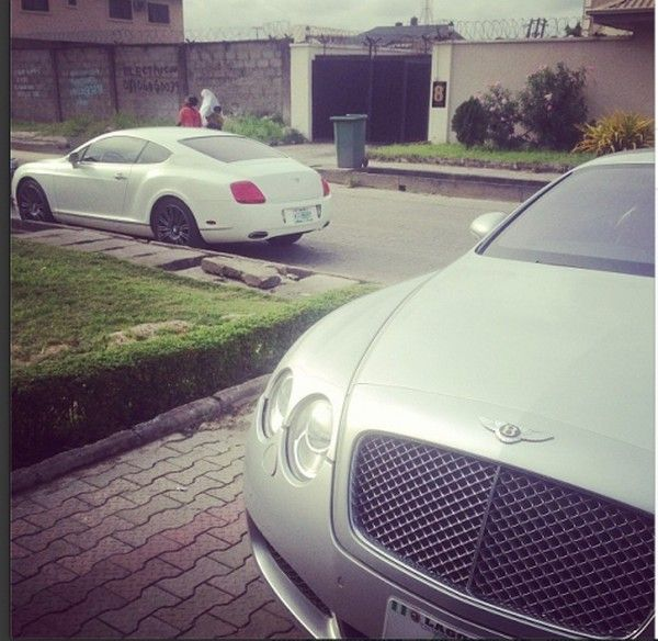 Phyno-supercars-outside-his-mansion