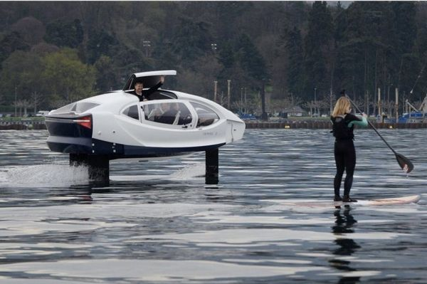 SeaBubbles Flying water car