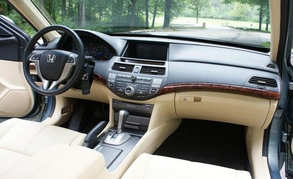 Honda Crosstour 2010 dashboard area