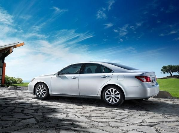 2007 Lexus ES 350 side view