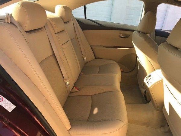 2007 Lexus ES 350 rear seats