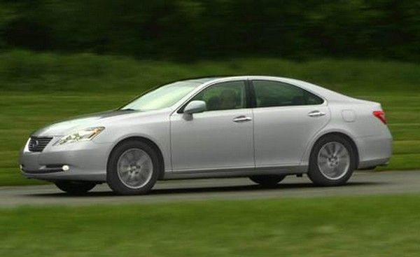 Lexus ES350 2007 on the road