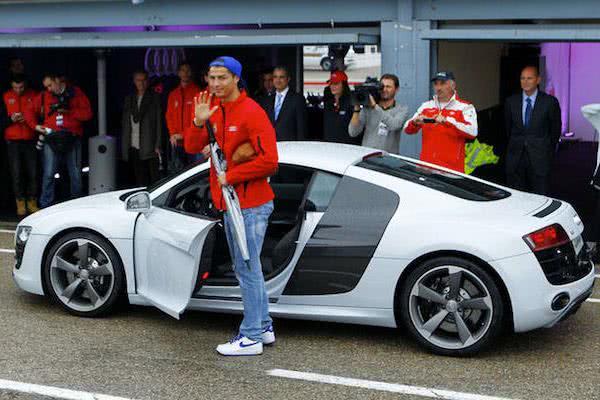 Ronaldo-Mercedes-Benz-C-Class-Sport-Coupe