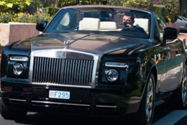 Ronaldo in the Rolls-Royce Phantom Drophead Coupe