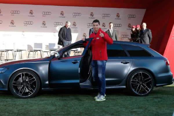 Ronaldo beside an Audi in an event