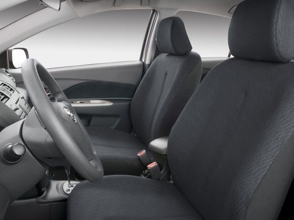 Toyota Yaris 2008 front seats