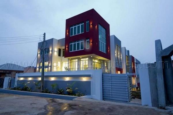 2Face-Idibia's-house