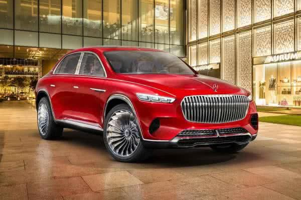 The angular front of the Vision Mercedes-Maybach Ultimate Luxury