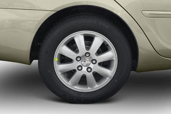 Toyota Camry 2005 wheel