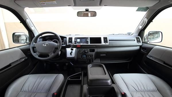 Toyota Hiace 2017 dashboard area