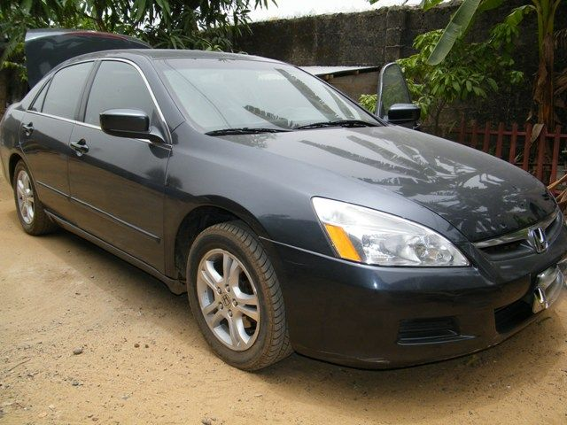 Honda accord 2006 v4