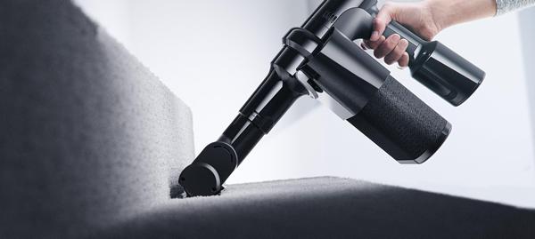 Using a cordless vacuum