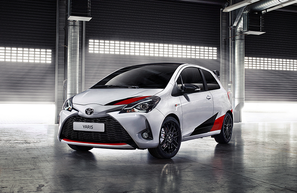 Angular front of the Toyota Yaris