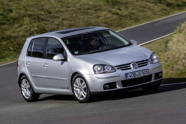 Volkswagen Golf Mk5 on the road