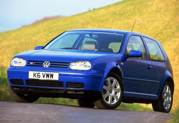 Volkswagen Golf Mk4 angular front