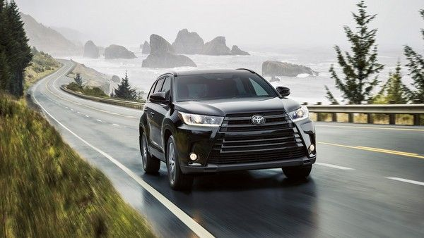 Toyota Highlander on the road