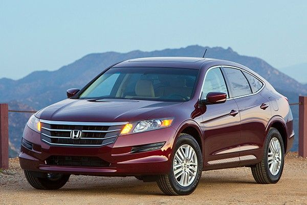 Honda Crosstour front view
