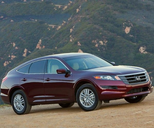 Honda Crosstour on the road