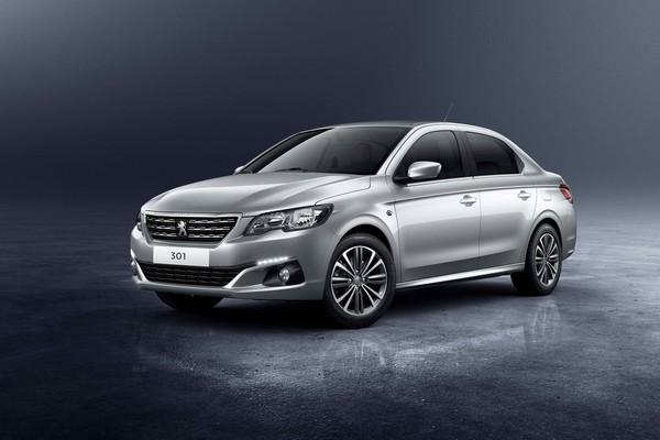 Peugeot 301 angular front