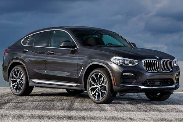 BMW X4 2019 angular front