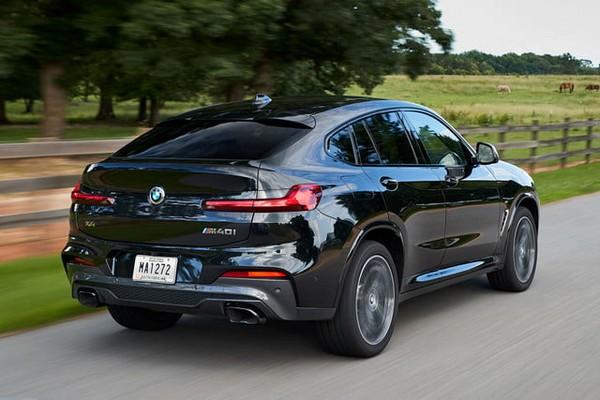 BMW X4 2019 on road