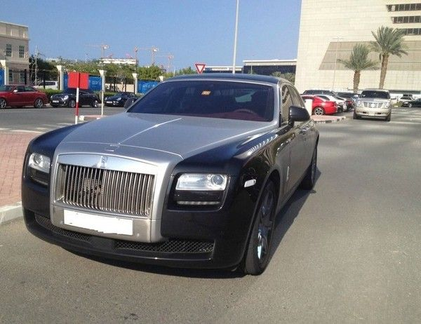 luxury cars in Dubai campus
