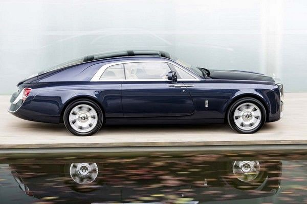 the most expensive car in the world - Rolls Royce Sweptail from the side view