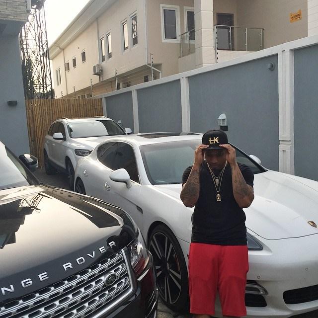 Davido shows off his newly-arrived Bentley Bentayga 2018