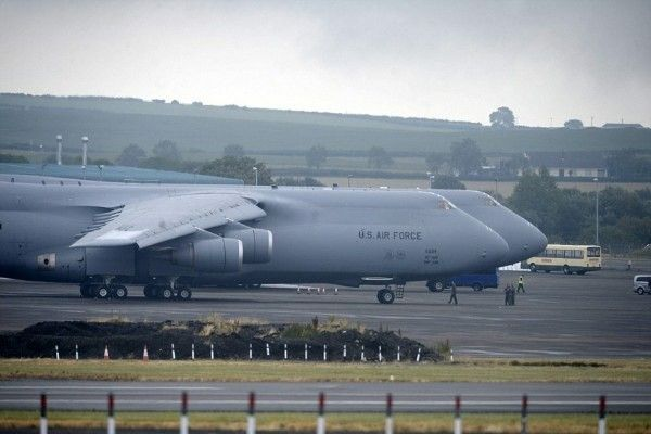 Air Force One and C5 Galaxy at the airport