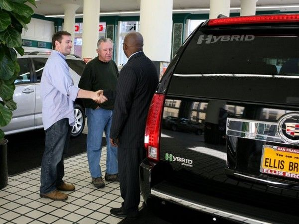 1 car seller and 2 clients